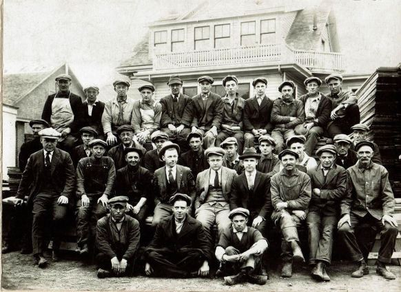 quincy-lumber-employee-photo-probably-taken-during-the-depression